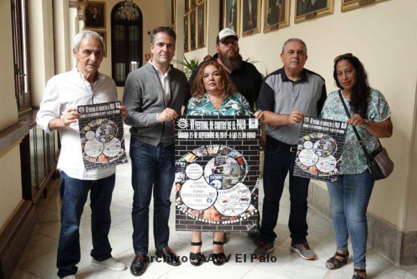 Lee más sobre el artículo La Asociación de Vecinos de El Palo presenta en el Ayuntamiento, el cartel del festival de Cortos.